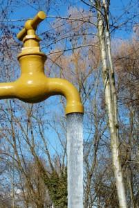 Por rotura de una tubería de agua en Galapagar preventivamente se disponen 4 camiones cisterna