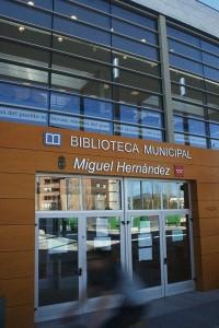 La Biblioteca Miguel Hernández de Villalba amplía su horario en época de exámenes